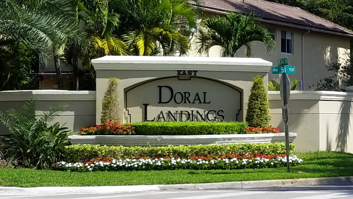 Doral Landings Entrance